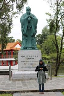 Patung Confucious,, filsuf terkenal dari China